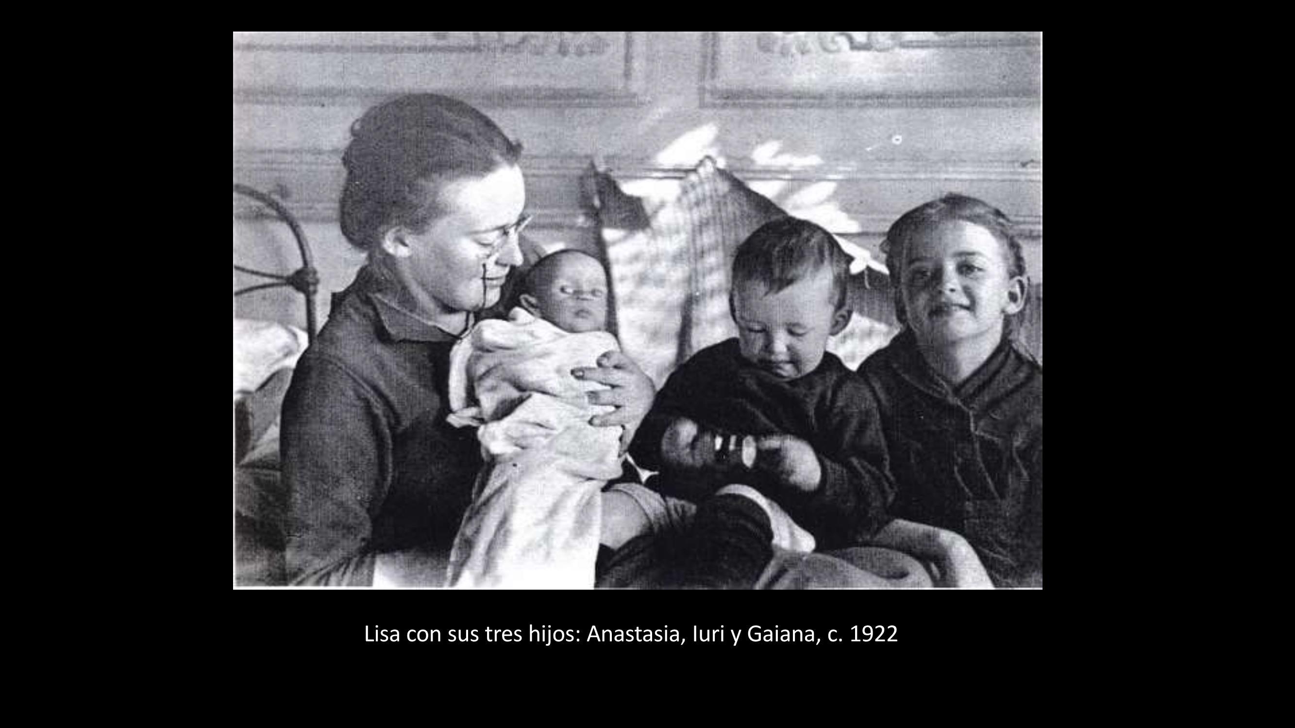 [31] Lisa y sus tres hijos