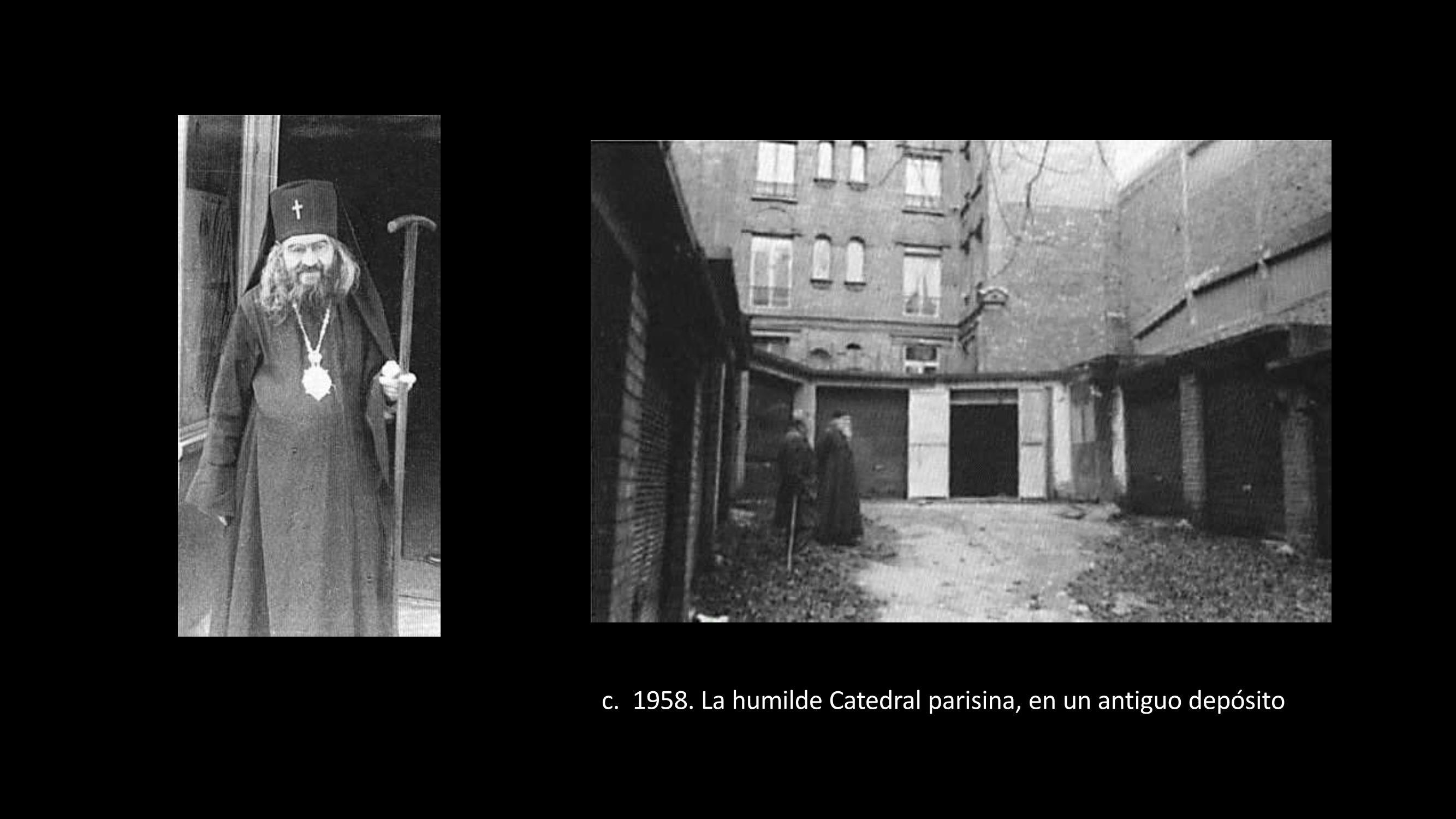 [52] El Arzobispo y la humilde catedral pariense, en un depósito antiguo